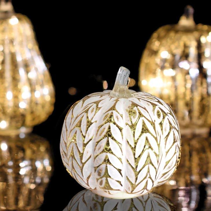 halloween decorative glowing pampkin