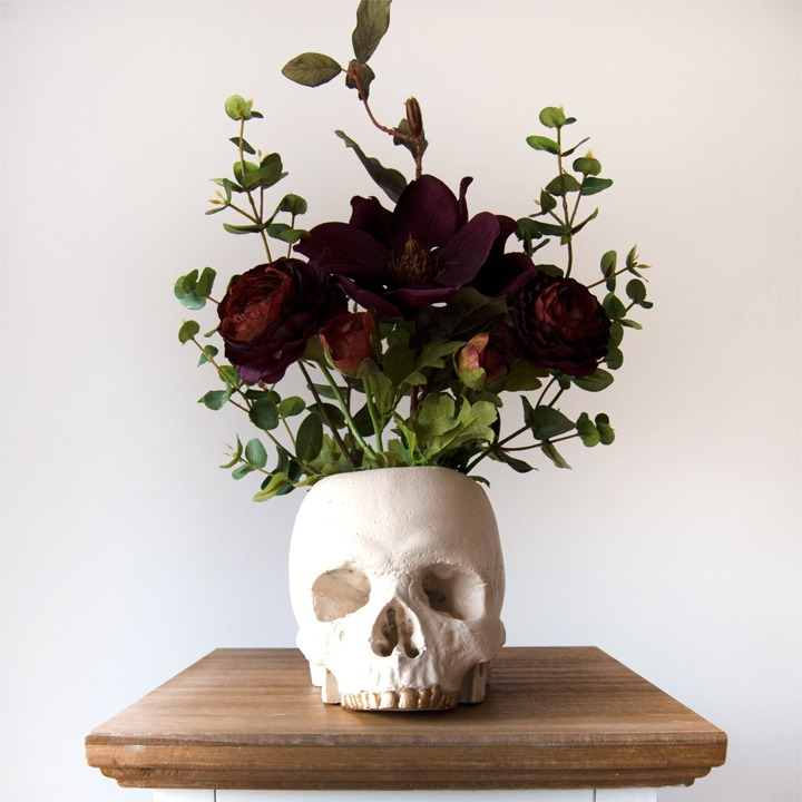 White skull vase for Halloween