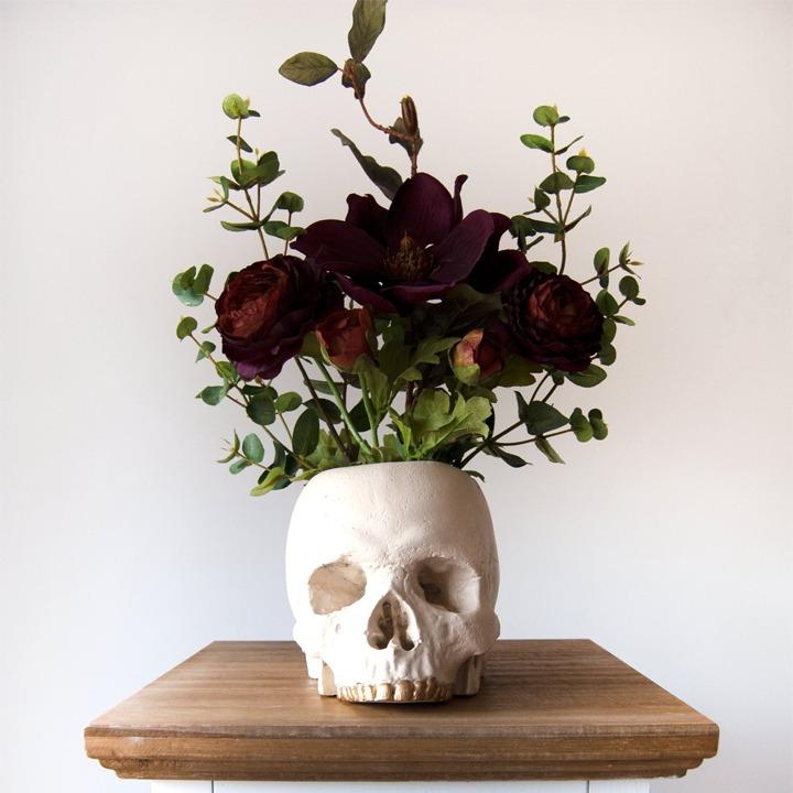 White skull vase for Halloween