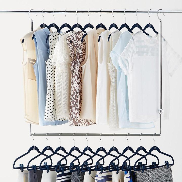 Dorm closet storage rod expander
