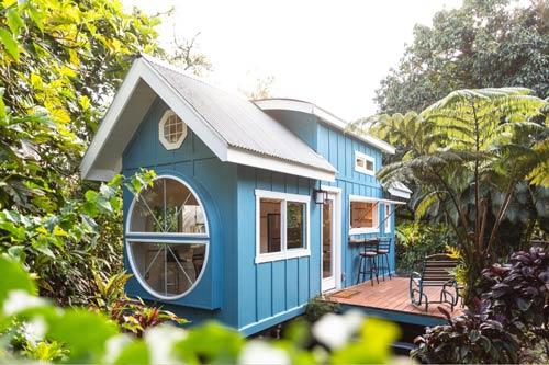 tiny hawaii house