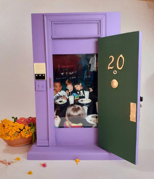 friends door photo frame