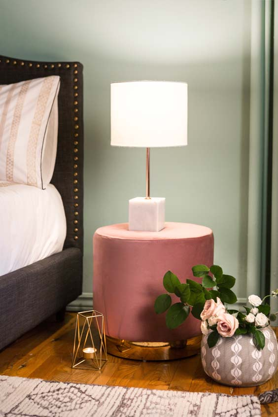 glam pouf bedstand